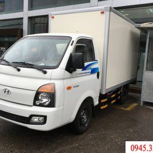 Xe tải hyundai H100 thùng bảo ôn gọn nhẹ, linh hoạt.