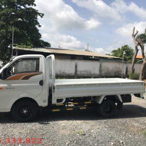 Bán xe tải hyundai H150 tải trọng 1.5 tấn thùn lửng màu trắng