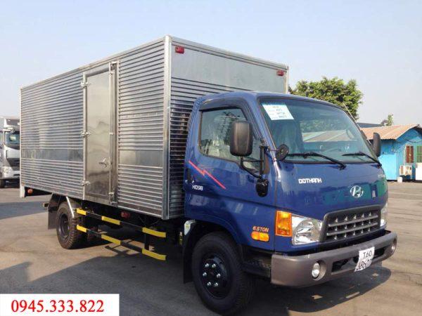 Hyundai HD99 thùng kín có tải trọng cho phép là 6.4 tấn. thùng xe dài 4980 mm. Kết cấu xe bắt măt, giá cả xe phải chăng, phù hợp với thị yếu người Việt Nam.