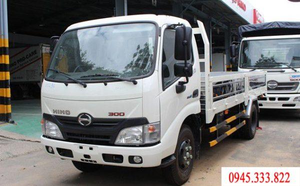xe tải hino 1.9 tấn thùng lửng, tổng tải 4.9 tấn.