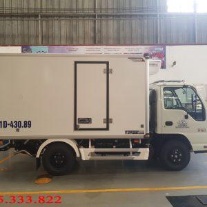 Isuzu 1.4 tấn đóng thùng đông lạnh, đáp ứng nhu cầu chuyên chở các sản phẩm cần bảo quản ở những nhiệt độ dặc biệt như âm.