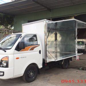 Xe tải Hyundai new porter H150 thùng cánh dơi