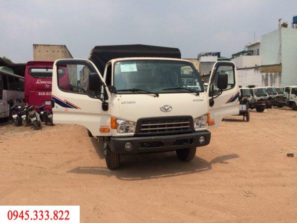 Mua bán xe tải Hyundai HD120sl tải trọng 8 tấn. Xe có màu trắng