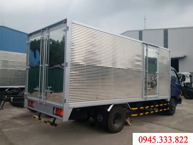 Xe tải 3.5 tấn thùng kín, màu xanh