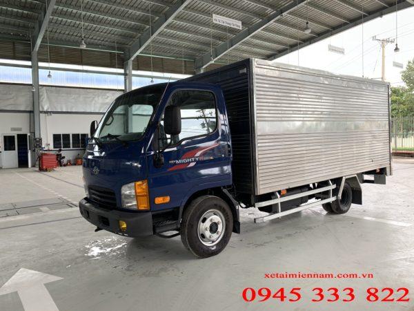 Xe tải Hyundai N250sl thùng kín có tải trọng cho phép là 2.2 tấn và tổng tải trọng dưới 5 tấn. Hyundai N250sl là chiếc xe được mong chờ nhất của Hyundai trong thời điểm hiện tại. Do xe đáp ứng được nhu cầu chuyển chở của khách hàng, mà có thể lưu thông trong thành phố, nhưng cung đường cấm tải.