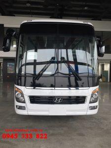 Hyundai Universers được nhà máy thành công lắp ráp với ba phiên bản chính: Hyundai Universe bản modern, Hyundai Advanced và phiên bản cao cấp nhất: Hyundai Universe premium.